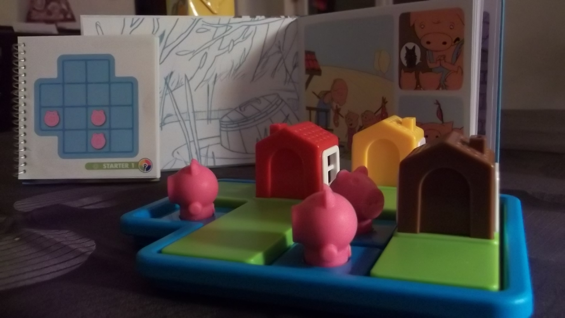 Les trois petits cochons, jeu de réflexion pour maternelle, CP et C.E.